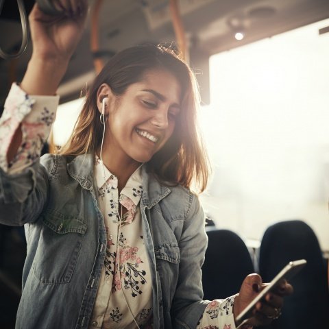 Driving Sales Conversion Spike, Enhanced CSAT for Travel and Transit Leader